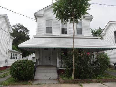 Suffolk Single Family Home Under Contract: 224 Chestnut St