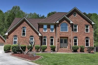 Chesapeake Single Family Home For Sale: 813 Willow Spire Arch