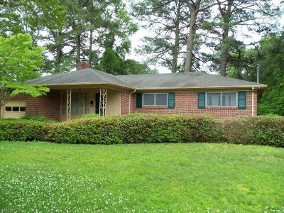 Norfolk Single Family Home Under Contract: 3817 N Ingleside Dr
