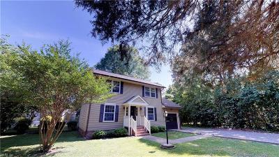 Williamsburg Single Family Home New Listing: 102 Dogwood Dr