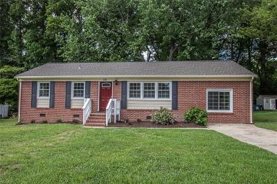 Williamsburg Single Family Home New Listing: 115 Oakmont Cir