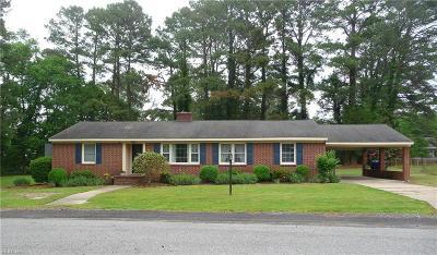 Suffolk Single Family Home New Listing: 124 Deborah Dr