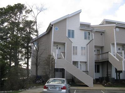 Virginia Beach Single Family Home New Listing: 100 Pinewood Rd #332