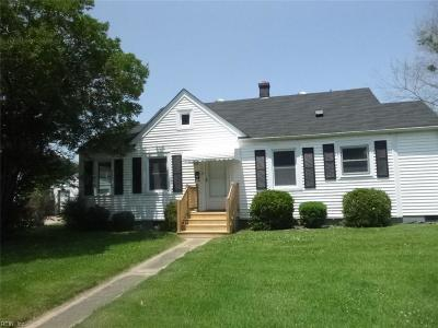 Newport News Single Family Home New Listing: 5 Langley Ave