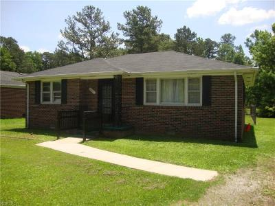 Suffolk Single Family Home New Listing: 2647 E Washington St