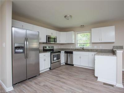 Hampton Single Family Home New Listing: 1406 Antoinette Cir