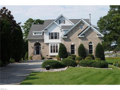 Virginia Beach Single Family Home For Sale: 501 Hunts Pointe Dr