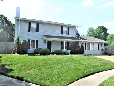 Chesapeake Single Family Home New Listing: 1401 Woodside Ct S