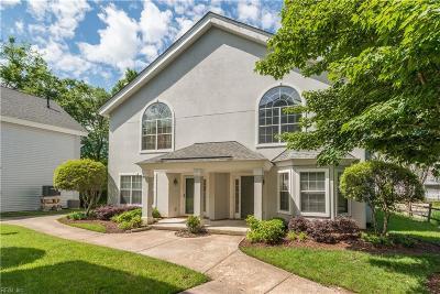 Chesapeake Single Family Home New Listing: 521 Seahorse Rn