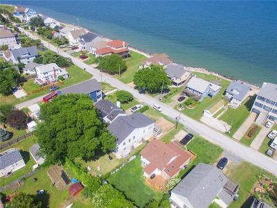 Hampton Single Family Home For Sale: 13 Lighthouse Dr