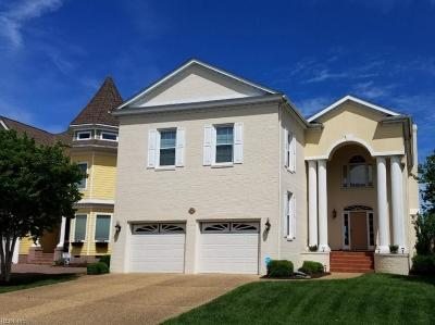 Hampton Single Family Home For Sale: 44 Bay Front Pl