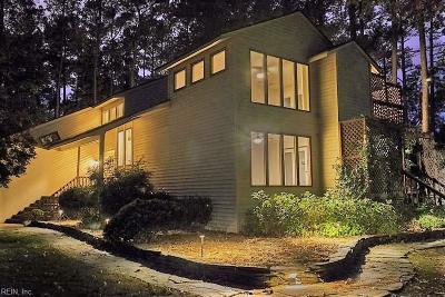 Poquoson VA Single Family Home For Sale: $615,000