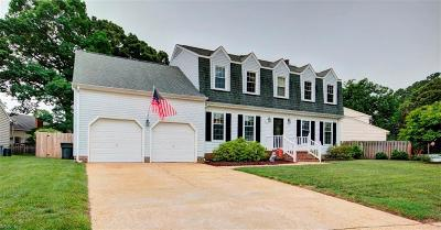Hampton Single Family Home For Sale: 38 Chowning Dr