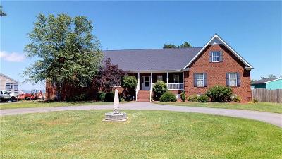 Yorktown VA Single Family Home For Sale: $885,000