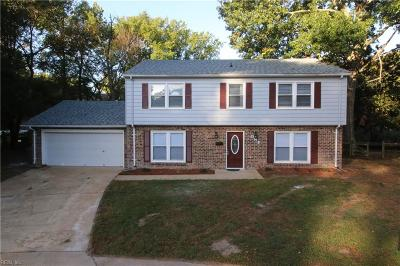 Hampton Single Family Home For Sale: 1 Admiral Ct