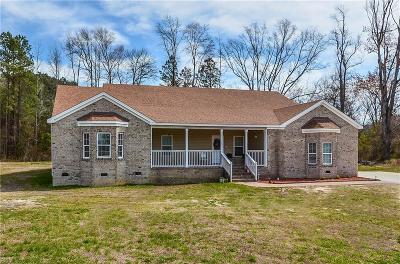 Suffolk Single Family Home For Sale: 200 Prospect Rd