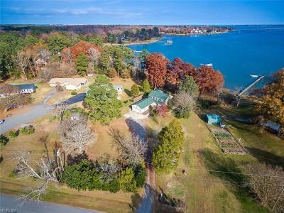 Suffolk Single Family Home For Sale: 1860 Oyster Bay Ln