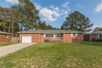 Chesapeake Single Family Home For Sale: 205 Shore Side Rd