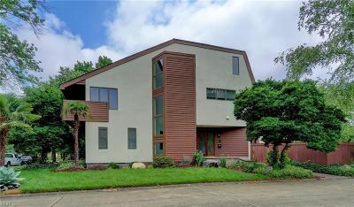 Norfolk Single Family Home For Sale: 1300 Botetourt Gdns