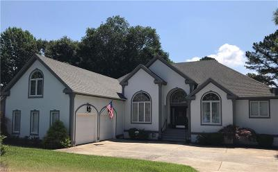 Suffolk Single Family Home New Listing: 134 Pitchkettle Point Cir