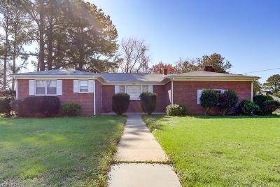 Norfolk Single Family Home New Listing: 3801 Flowerfield Ct