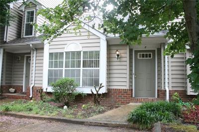 Hampton Single Family Home New Listing: 8 Hawthorn Pl