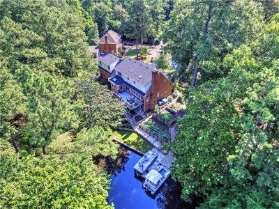 Suffolk Single Family Home New Listing: 119 Northgate Ln