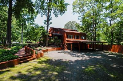 Virginia Beach Single Family Home New Listing: 708 Pinetree Dr