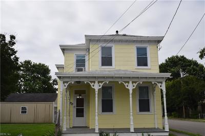 Hampton Single Family Home New Listing: 329 Chapel St