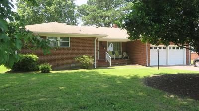 Hampton Single Family Home New Listing: 38 Suburban Pw