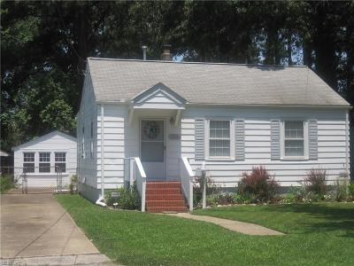 Hampton Single Family Home New Listing: 153 Chichester Ave