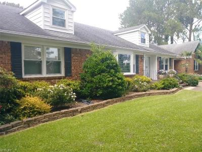 Virginia Beach Single Family Home New Listing: 4004 Sherwood Ln