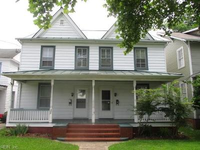 Portsmouth Single Family Home New Listing: 447 Broad St