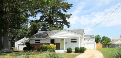 Chesapeake Single Family Home New Listing: 2403 Chesapeake Cir