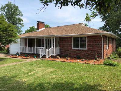Portsmouth Single Family Home New Listing: 219 Mayflower Rd