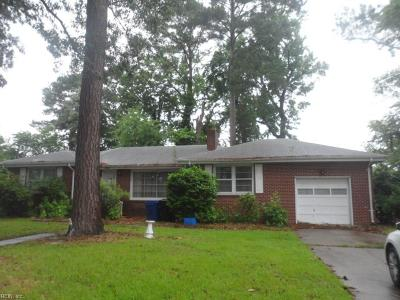 Portsmouth Single Family Home New Listing: 4941 Briarwood Ln