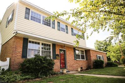 Hampton Single Family Home New Listing: 39 Michele Dr