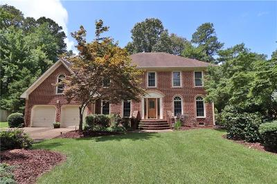 Chesapeake Single Family Home New Listing: 1017 Forest Lakes Dr