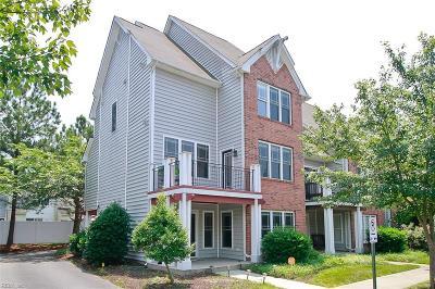 Newport News Single Family Home New Listing: 1025 Hollymeade Cir Cir