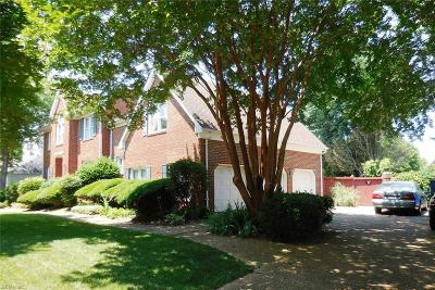 Virginia Beach Single Family Home For Sale: 2444 Haversham Cls