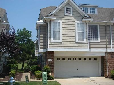 Suffolk Single Family Home For Sale: 1007 Bay Breeze Dr #89