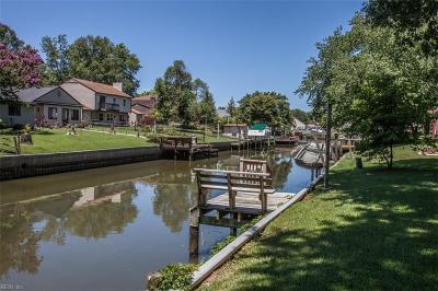 Hampton Single Family Home For Sale: 3 Admiral Ct