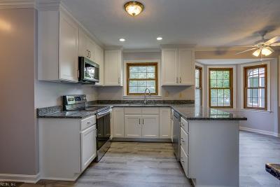 Hampton Single Family Home For Sale: 302 Riverside Dr