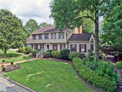 Newport News Single Family Home For Sale: 72 Queens Ct
