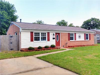 Hampton Single Family Home For Sale: 722 Pelham Dr