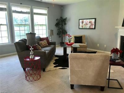 Newport News Single Family Home For Sale: 202 Lyon Dr
