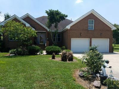 Chesapeake Single Family Home For Sale: 609 Trumpet Ct