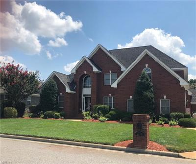 Chesapeake Single Family Home For Sale: 1329 Laurel Ridge Lane Ln