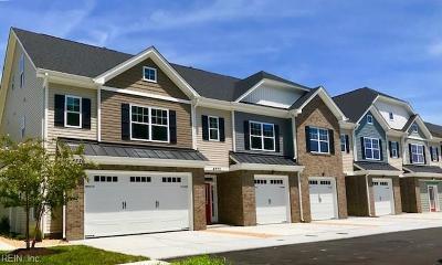 Virginia Beach Single Family Home For Sale: 4764 Kilby Dr #4