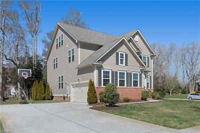 Suffolk Single Family Home For Sale: 1925 Governors Pointe Dr